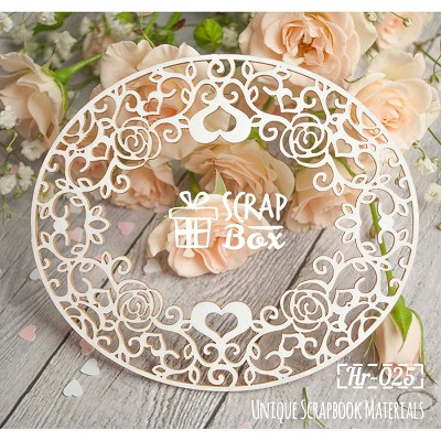 "Chipboard oval frame ""Roses and hearts"" Hr-025"