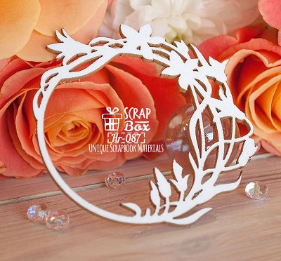 Chipboard frame with flowers round Hr-087