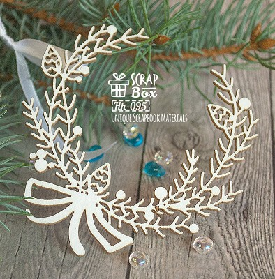 Chipboard Christmas wreath with bow Hh-095